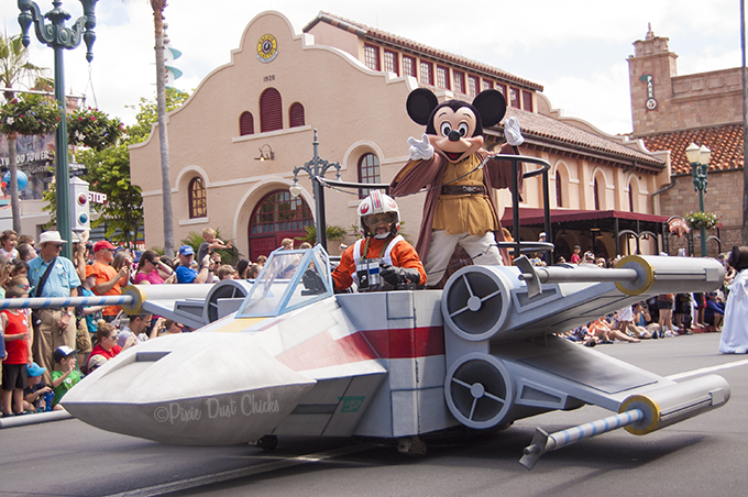 Jedi Mickey Mouse on a Star Wars X-wing fighter in Disney's Hollywood Studios | PixieDustChicks.com