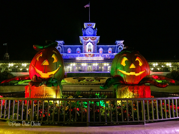 Magic Kingdom | Mickey's not So Scary Halloween Party | PixieDustChicks.com